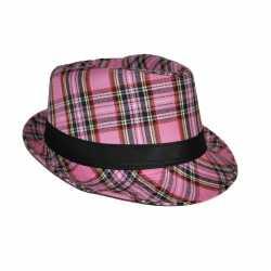 Al Capone hoed Schotse ruit roze