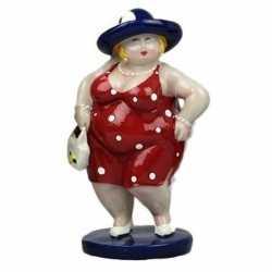 Beeld staande dikke dame rode jurk 15