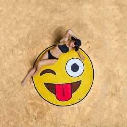 Emoji knipoog strandlaken 150