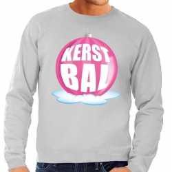 Foute kersttrui kerstbal roze op grijze sweater heren