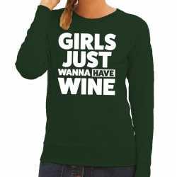 Girls just wanna have wine tekst sweater groen dames
