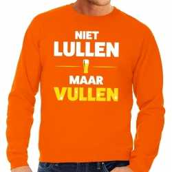 Niet lullen maar vullen tekst sweater oranje heren