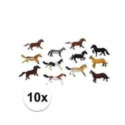 Setje van 10x stuks plastic paardjes van 6