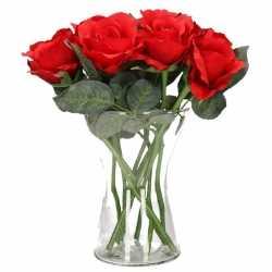 Valentijnscadeau 8 rode rozen in vaas