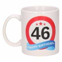 Verjaardag 46 jaar verkeersbord mok / beker