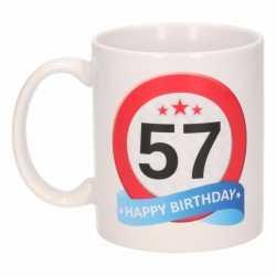 Verjaardag 57 jaar verkeersbord mok / beker