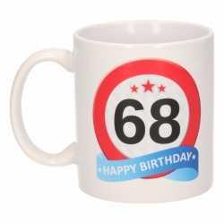 Verjaardag 68 jaar verkeersbord mok / beker