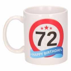 Verjaardag 72 jaar verkeersbord mok / beker