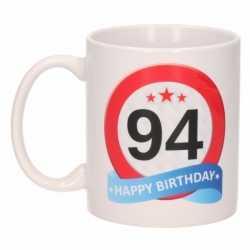 Verjaardag 94 jaar verkeersbord mok / beker