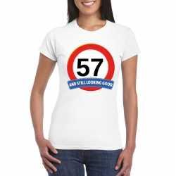 Verkeersbord 57 jaar t shirt wit dames