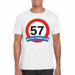 Verkeersbord 57 jaar t shirt wit heren