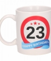 Verjaardag 23 jaar verkeersbord mok beker