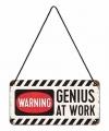 Wit ophangbordje genius at work